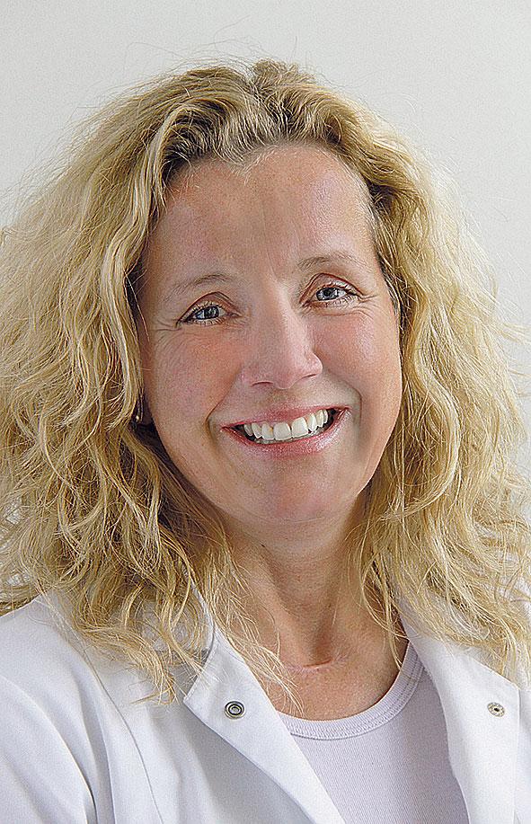Porträt: Daniela Paepke, leitende Oberärztin in der Frauenklinik der TU München, und stellvertretende Vorsitzende der AGO Kommission Integrative Medizin der Deutschen Krebsgesellschaft