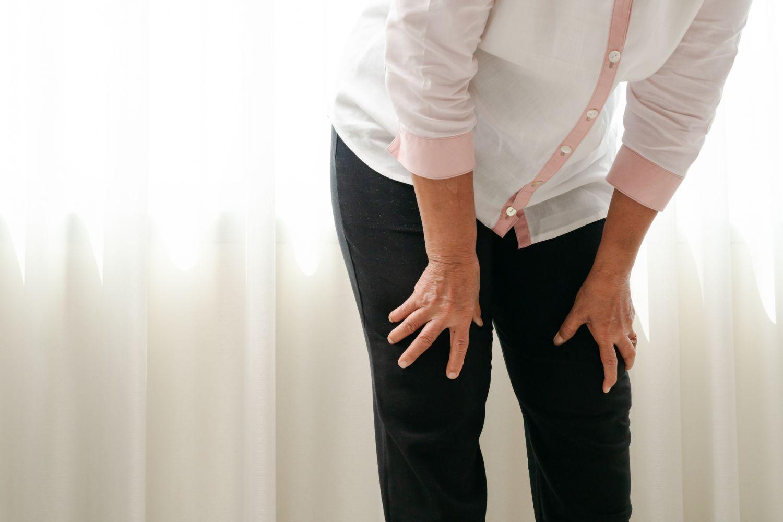 Schmerzende Beine einer Frau
