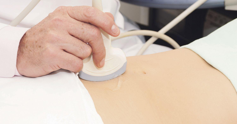 Ultraschalluntersuchung des Bauches. Thema: Myom